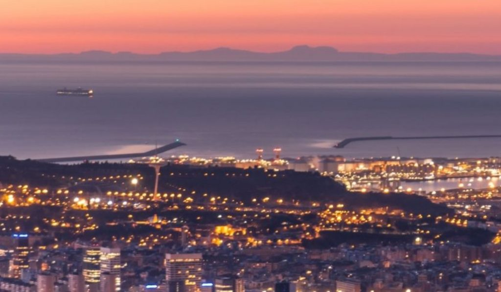 Así se ve Mallorca desde Barcelona al amanecer