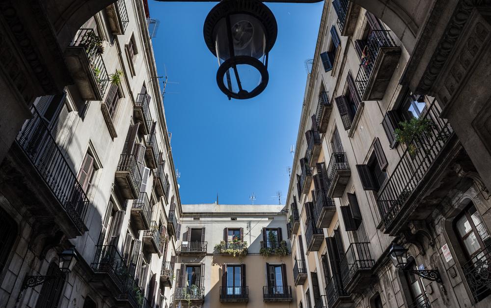 El Ayuntamiento de Barcelona aplazará el alquiler de las viviendas públicas