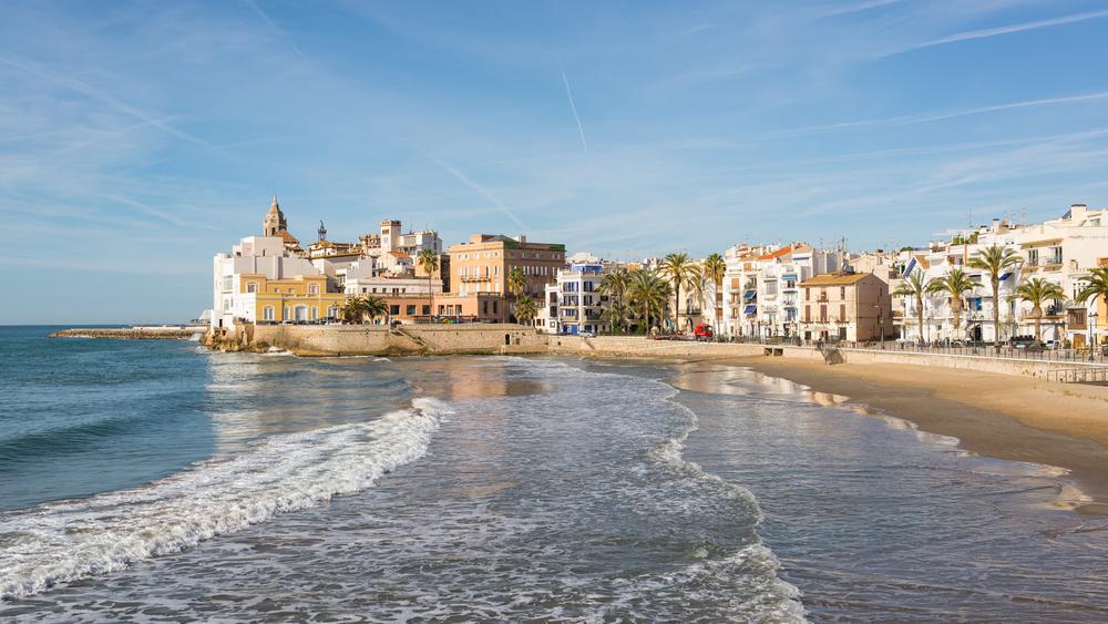 Las playas de Sitges y Vilanova abren al público