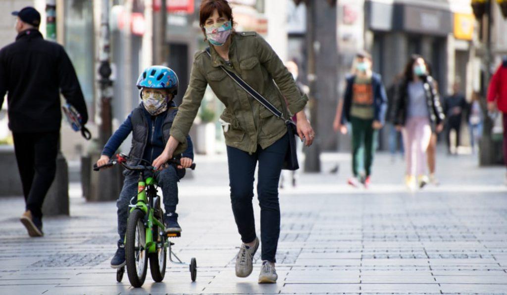 Hasta 100 euros de multa por no llevar mascarilla en Barcelona