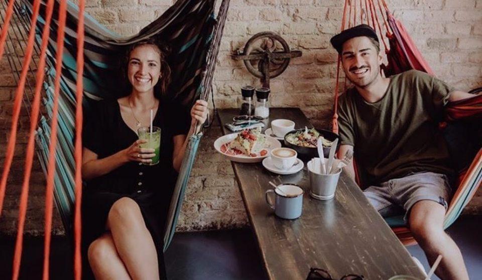Hammock: la cafetería donde te sientas en hamacas colgantes