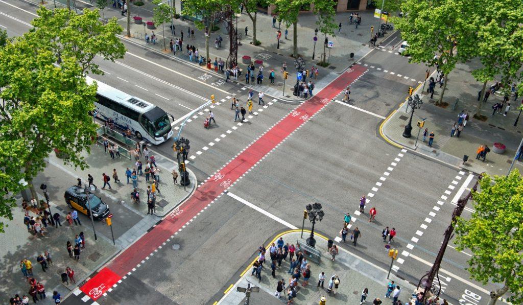 Barcelona impondrá más medidas restrictivas para el uso del coche