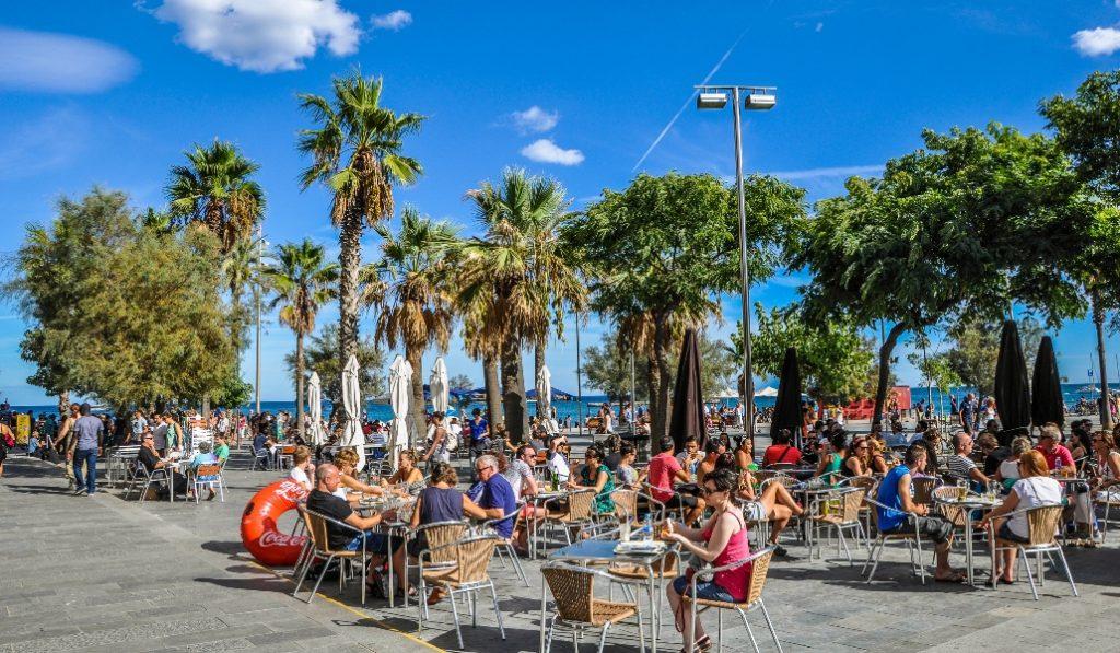 Los bares de Barcelona abrirían el próximo 23 de noviembre
