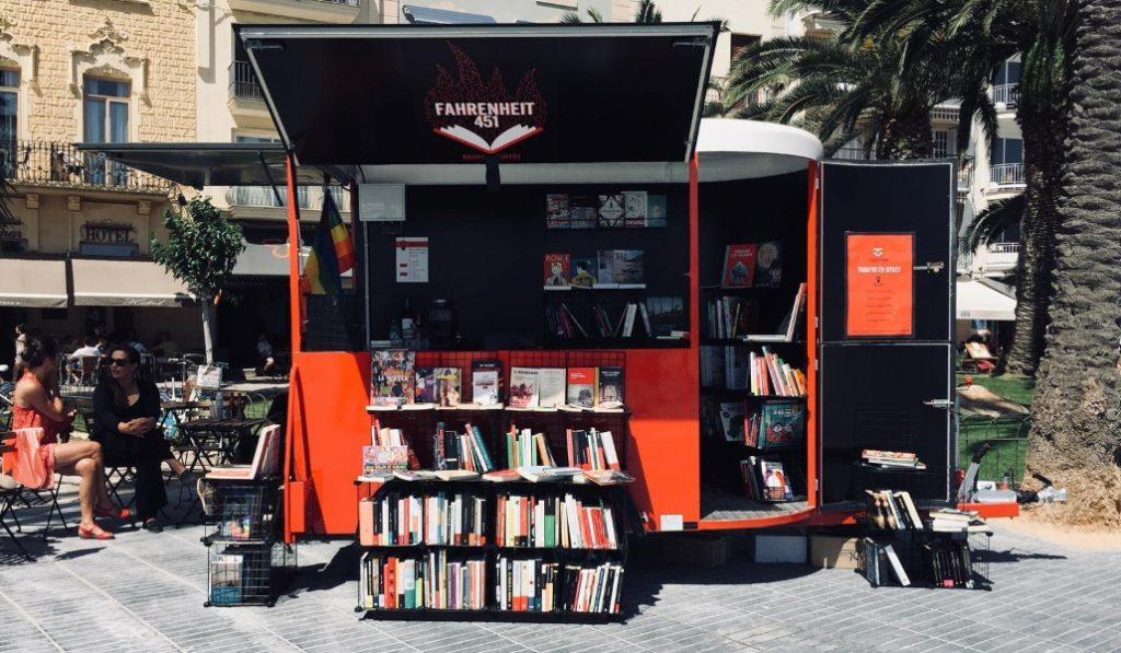 Fahrenheit 451, la librería itinerante se asienta en La Barceloneta