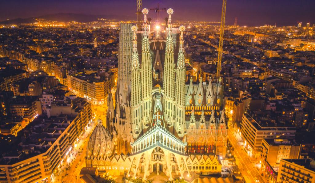 La Sagrada Familia suspende su clásico espectáculo de luces este año
