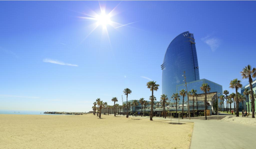 Barcelona vuelve al confinamiento municipal con nuevas restricciones