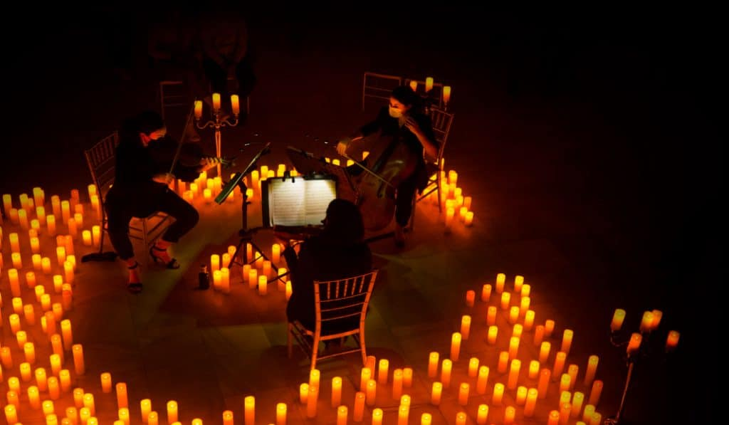 Barcelona se llena de velas para celebrar conciertos de Vivaldi y Mozart