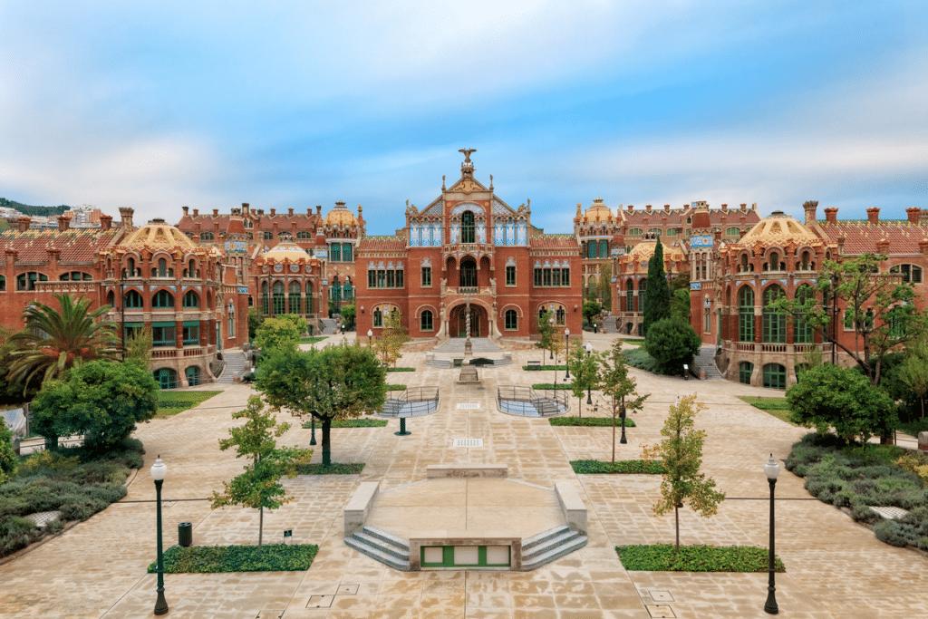 Sant Jordi, un día para visitar Barcelona