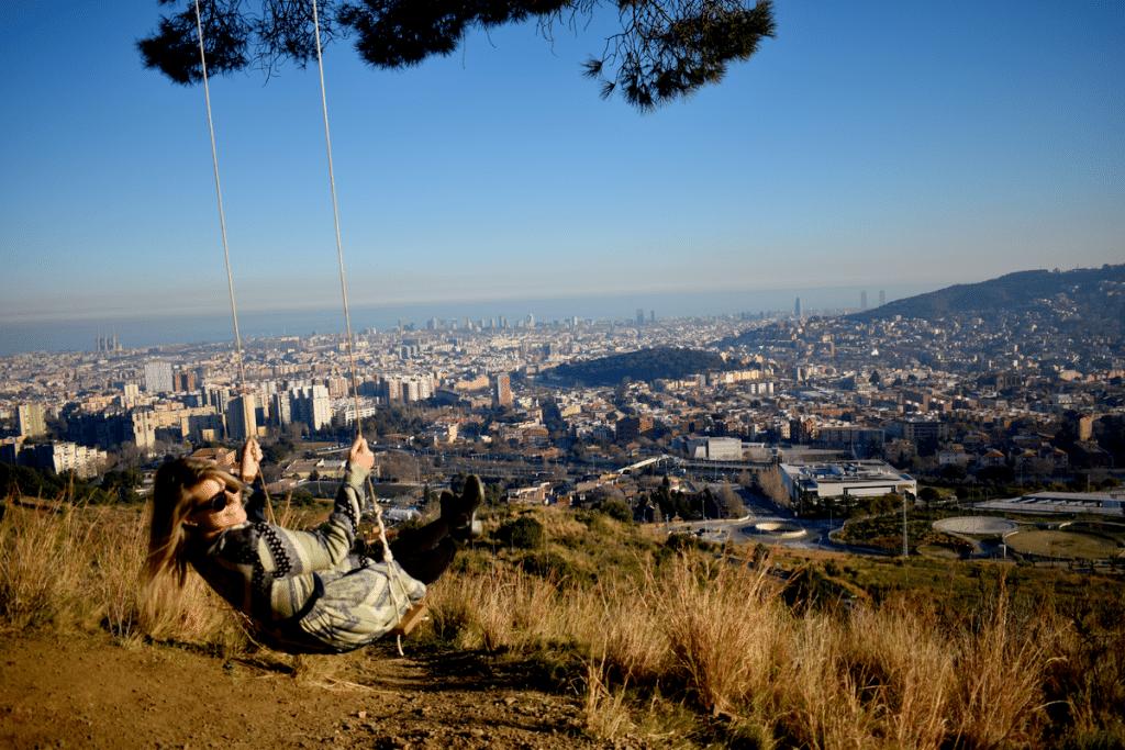 Así se llega a este mítico columpio con vistas a toda Barcelona