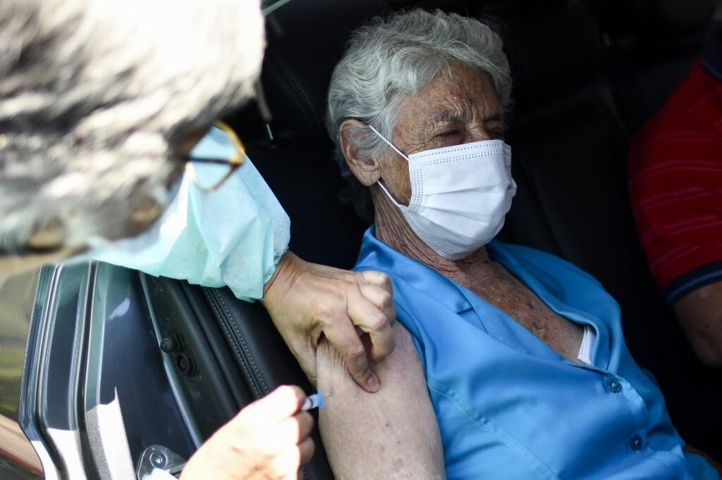 Catalunya empieza a vacunar a los mayores de 80 años la próxima semana