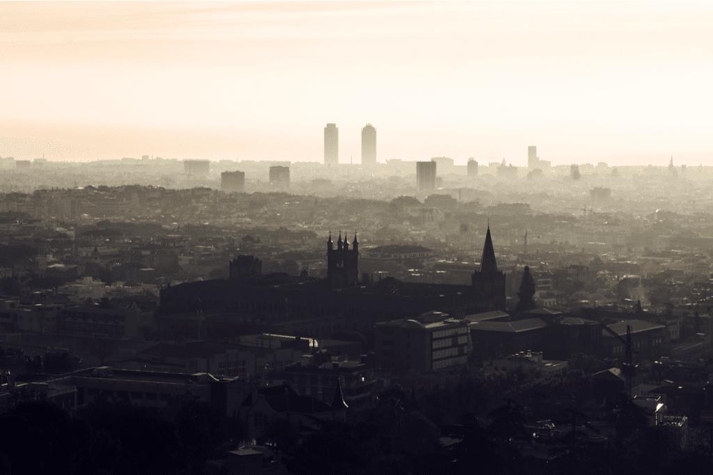 La llegada de polvo sahariano dispara la contaminación en Barcelona