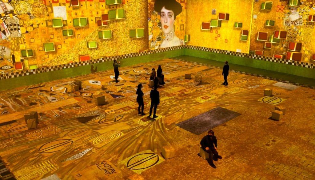 Arranca hoy en Poblenou esta fascinante exposición inmersiva de Klimt