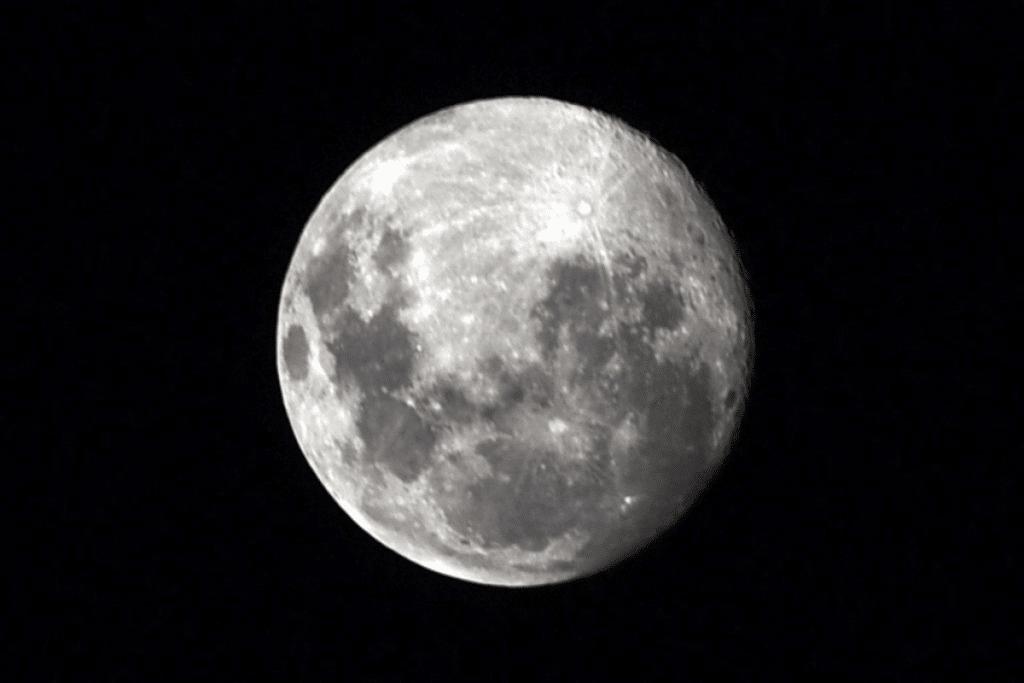 Febrero se despide con la 'Luna llena de nieve'