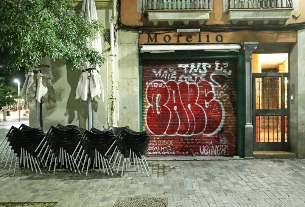 Catalunya planea reabrir bares y restaurantes por la noche