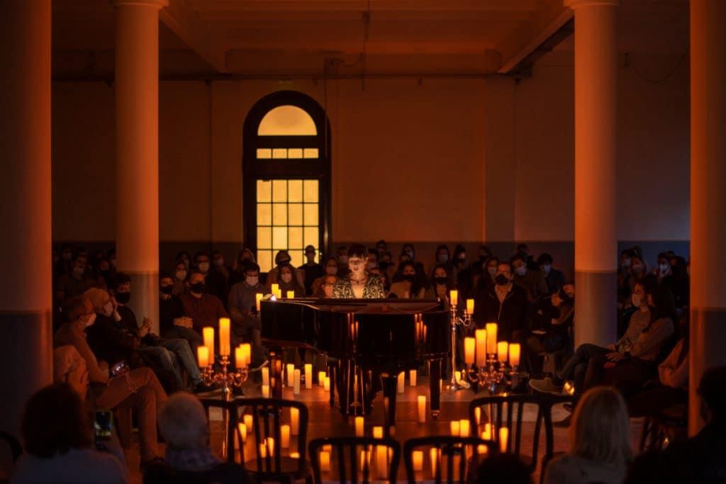 La mejor música a la luz de las velas: así son los conciertos Candlelight de BCN