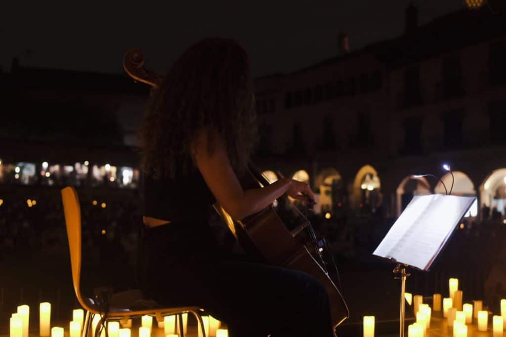 Las bandas sonoras más mágicas suenan al aire libre y bajo las velas