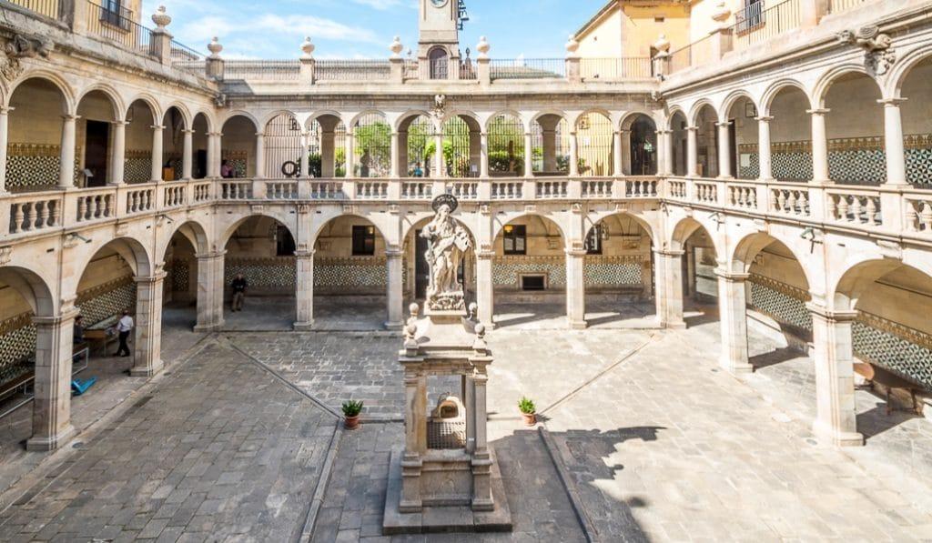 Candlelight llega a un exclusivo patio barroco del centro de Barcelona