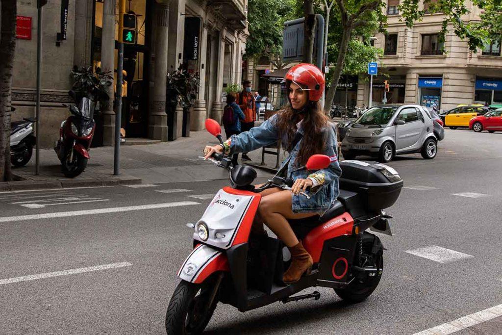 La Barcelona más trendy a bordo de las motos de ACCIONA