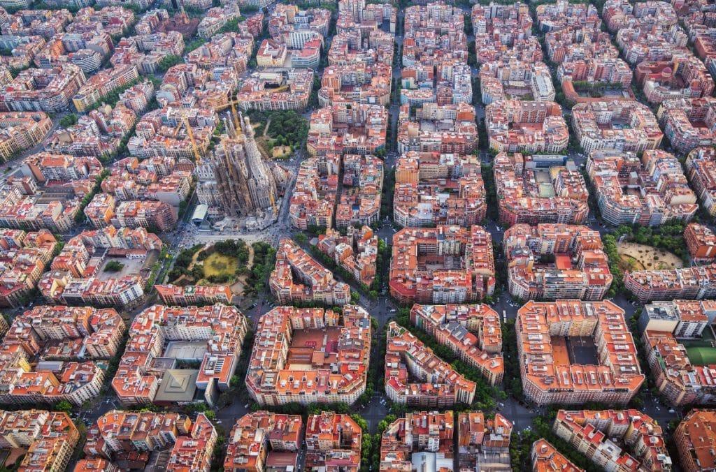 Trabajan en un autobús volador que uniría Barcelona y Madrid en una hora