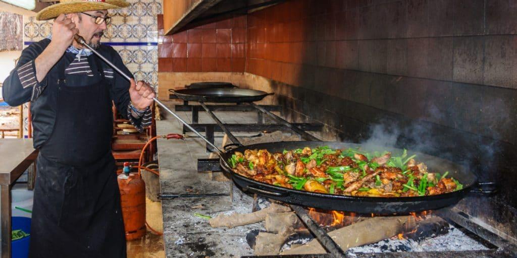 La receta de la paella valenciana ya aparece en el BOE