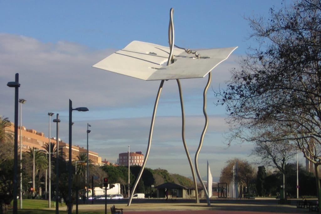 Restaurada la escultura de 'David i Goliat' que derribó el viento