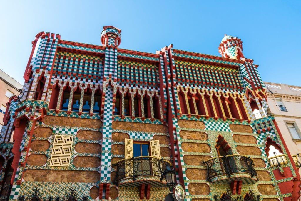 Esta es tu oportunidad de dormir en la Casa Vicens de Gaudí por solo un euro