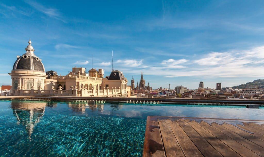 5 terrazas de hotel imprescindibles para tomar algo