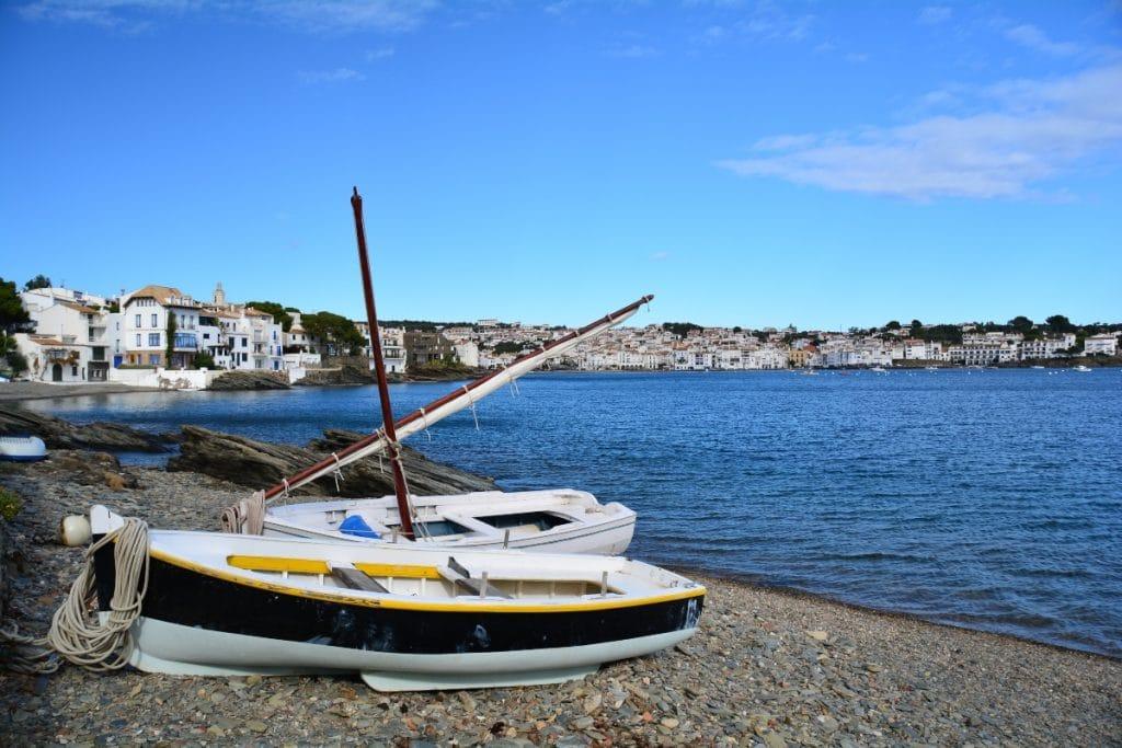 Se buscan las piedras de las playas de Cadaqués