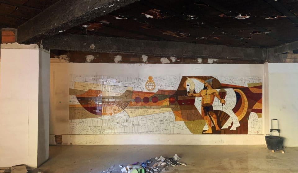 Unas obras dejan al descubierto un fabuloso mosaico dentro de una tienda de disfraces