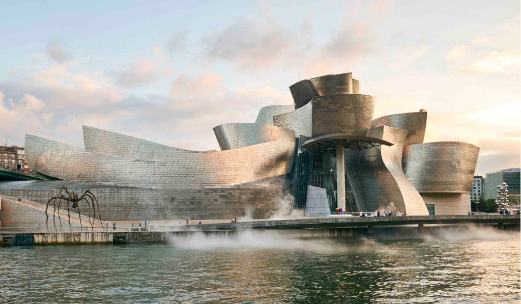 Guggenheim enseña de forma digital las exposiciones y los aspectos desconocidos del Museo