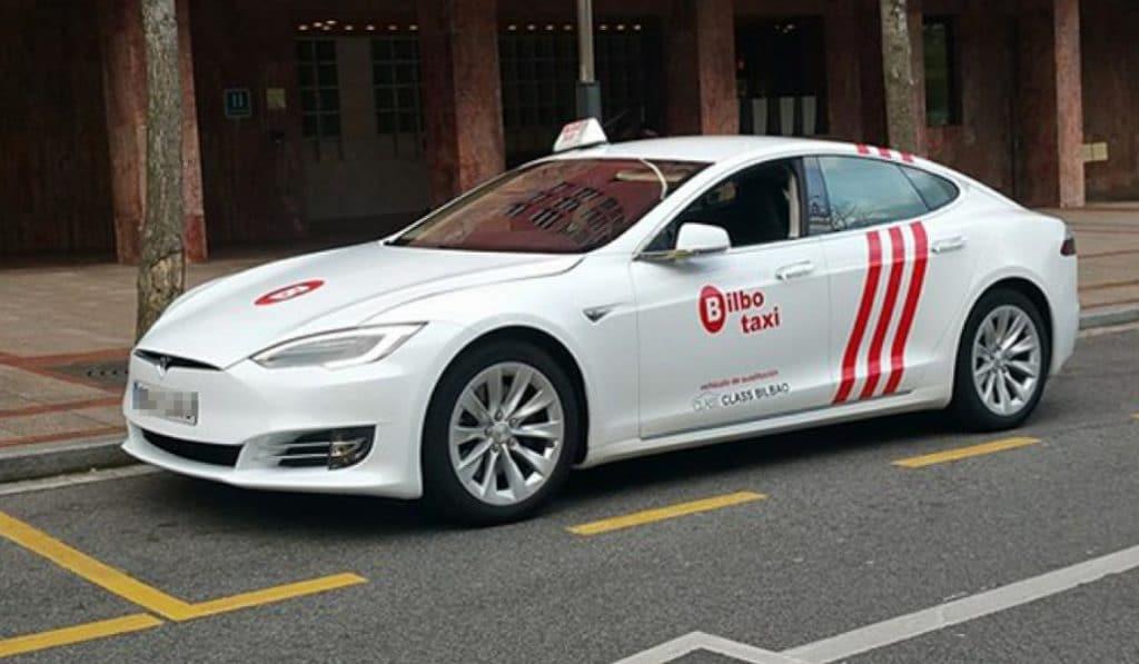 Taxistas de Bilbao transladan gratuitamente al hospital a posibles contagiados con COVID-19