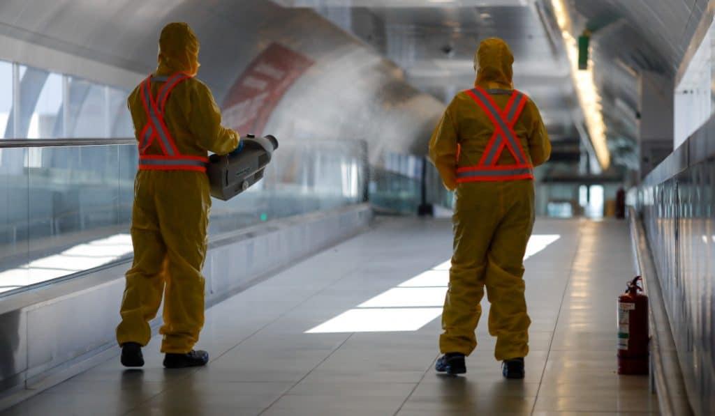El Ejército desinfectará el aeropuerto de Loiu y las estaciones de tren de las capitales vascas