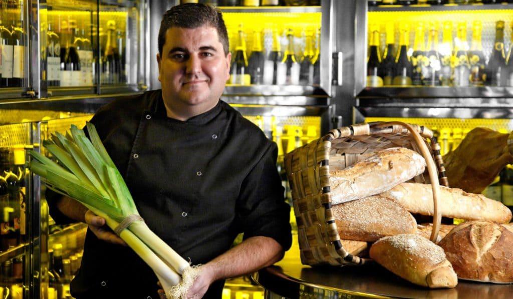 El chef bilbaíno con un Sol Repsol que se ofrece a cocinar para hospitales