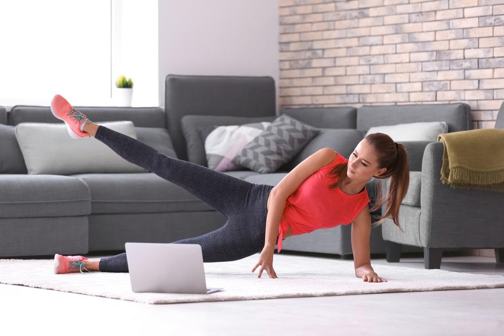 8 rutinas de ejercicio para estar en forma sin salir de casa