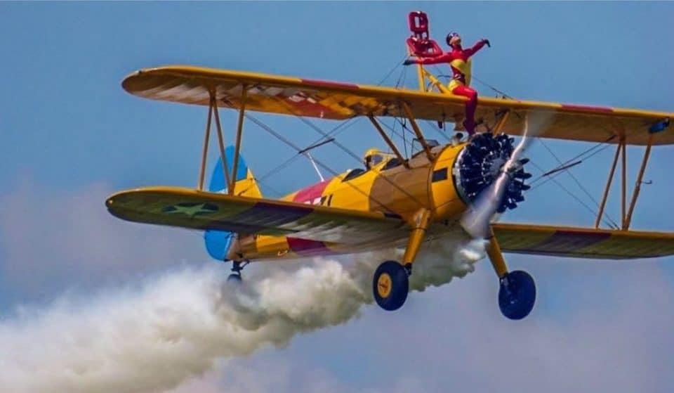 Ainhoa Sánchez: la bilbaína que baila sobre un avión a 600 metros de altura
