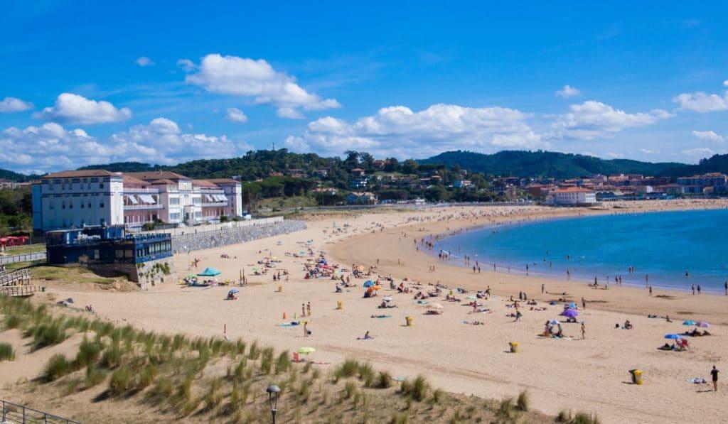 Las playas de Bizkaia medirán su ocupación con un sistema de semaforos