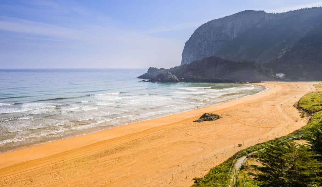 Así será ir a las playas de Bizkaia este verano