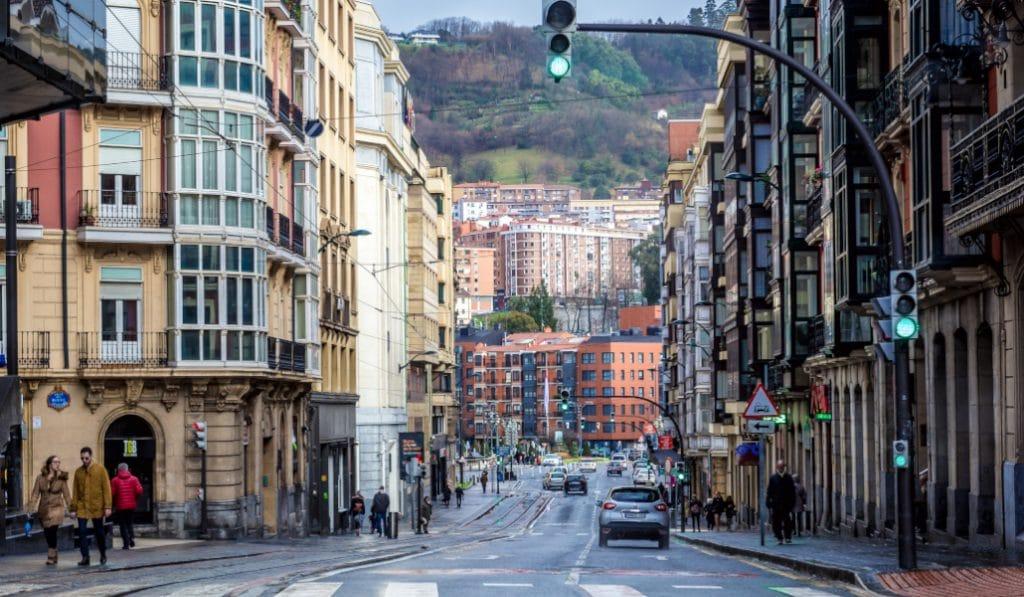 La contaminación del aire urbano en Euskadi desciende un 50 % desde el confinamiento