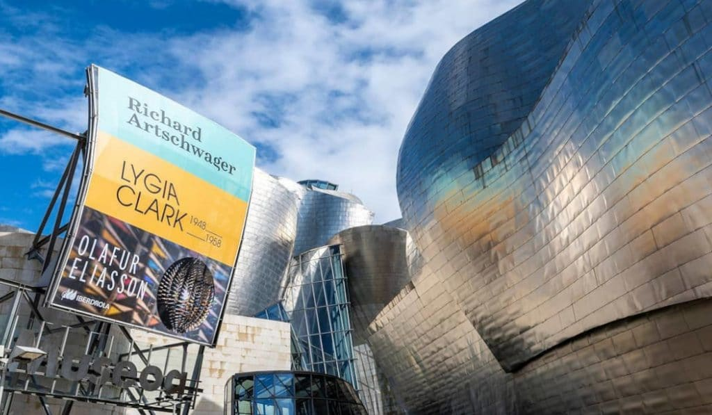 El Guggenheim ayuda a purificar el aire de Bilbao con su comunicación exterior