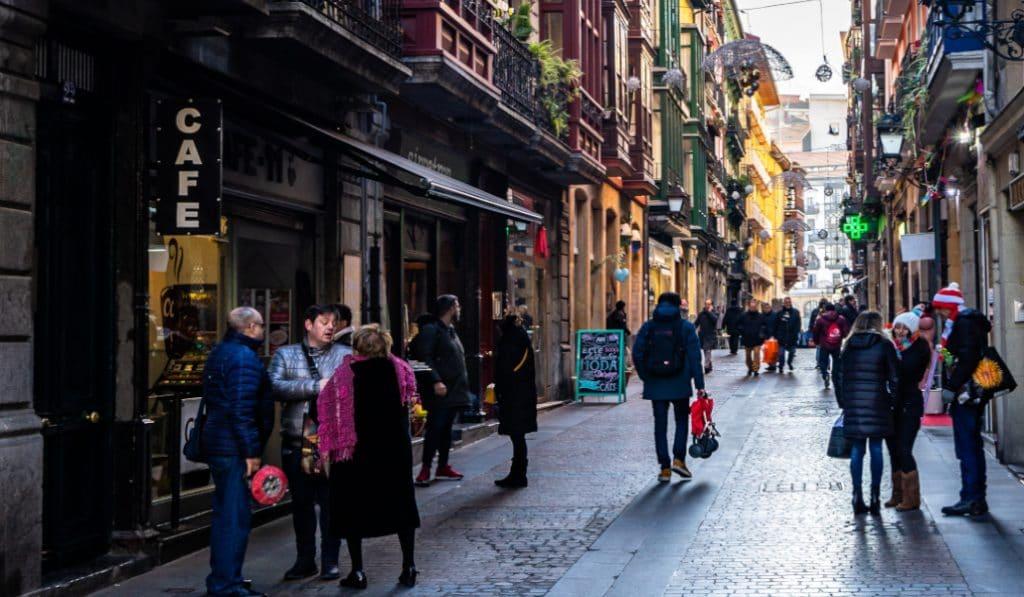 Euskadi pasará este lunes a la fase 3 de la desescalada