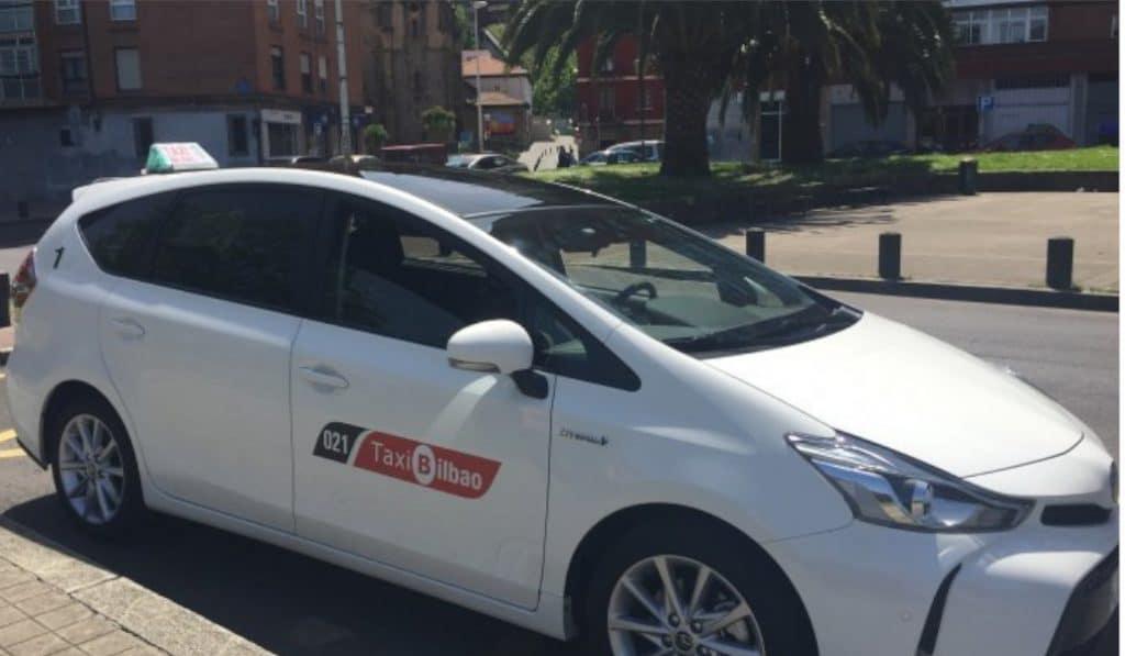 Un taxista de Basauri recorre 1.200km gratis para traer a casa a un estudiante de Erasmus