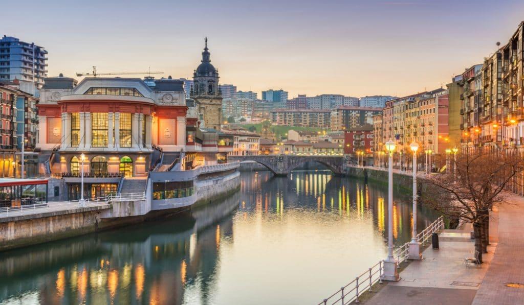 Bilbao se sitúa entre los mejores destinos de turismo nacional para familias