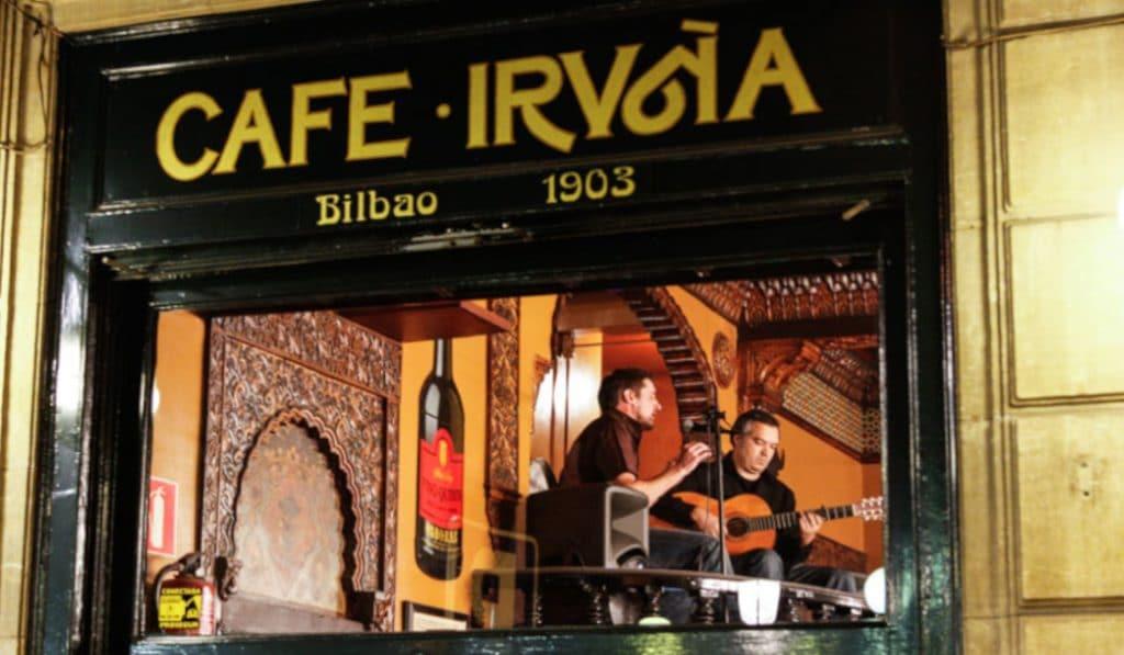 «El menú», la canción que habla de la comida del Café Iruña de Bilbao
