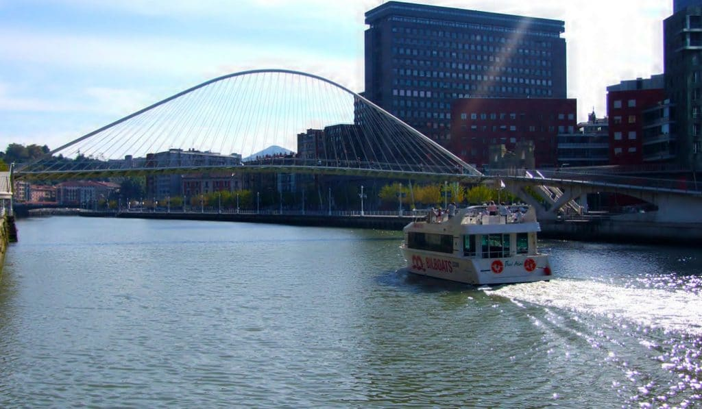 Bilbao ofrece visitas turísticas teatralizadas y gratuitas por la ría