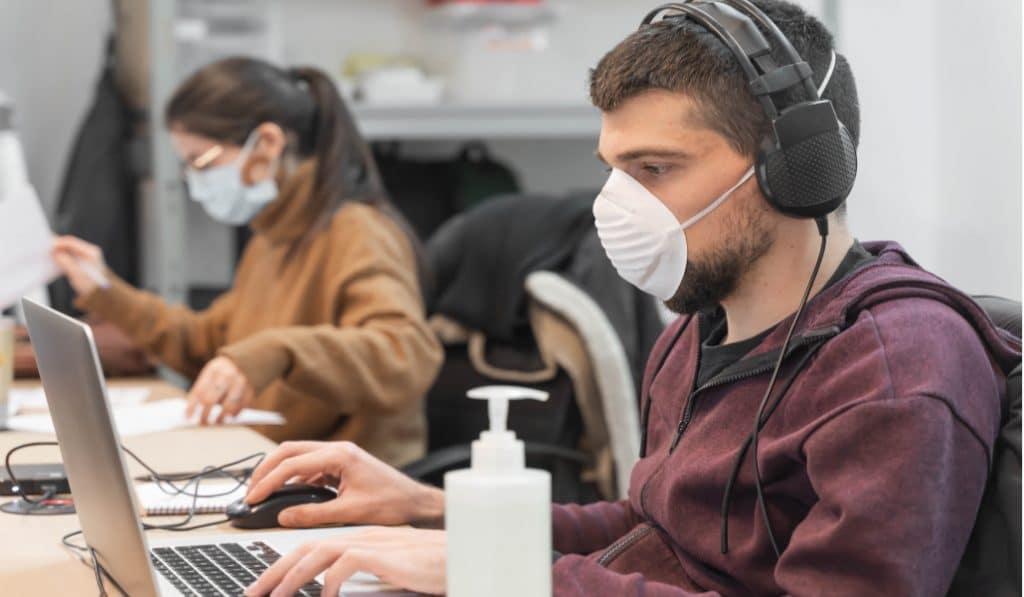 Uso de mascarilla obligatoria en todos los centros de trabajo de Euskadi