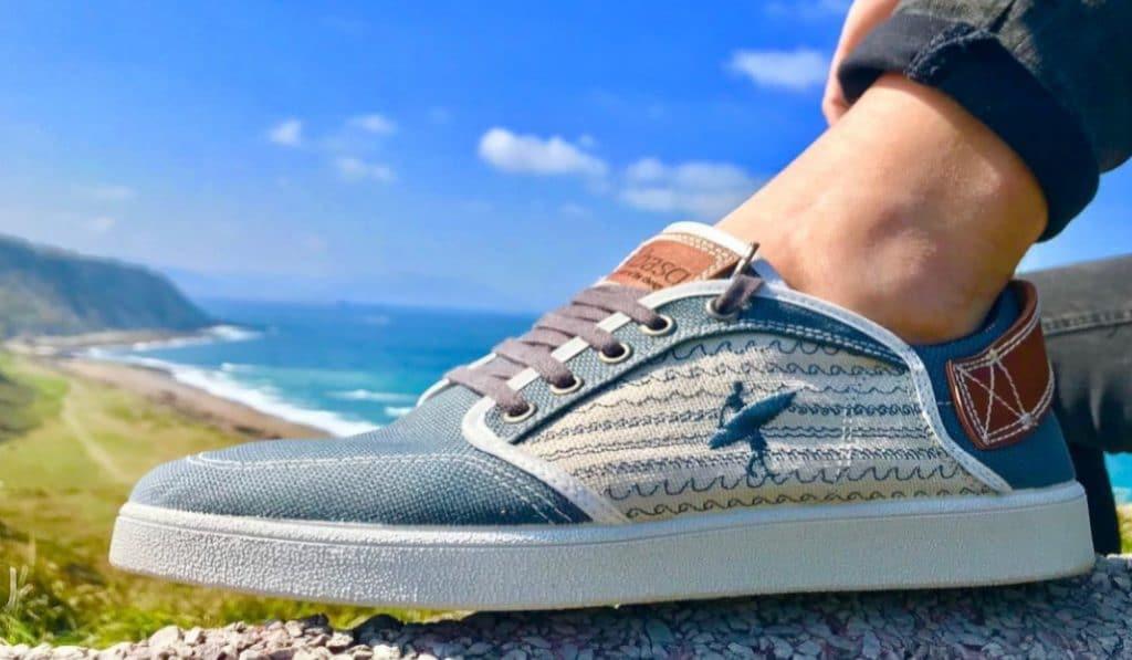 Basq: la empresa de Bizkaia que convierte plástico en zapatillas
