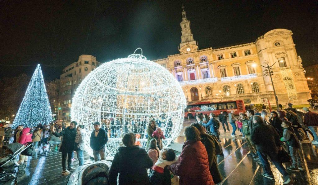 Navidad 2020: el Gobierno propone reuniones de seis personas y toque de queda a la 1