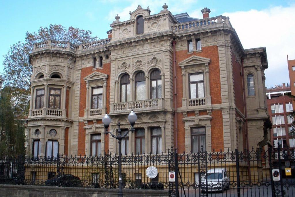Palacio Olabarri: reflejo de la Villa del siglo XIX