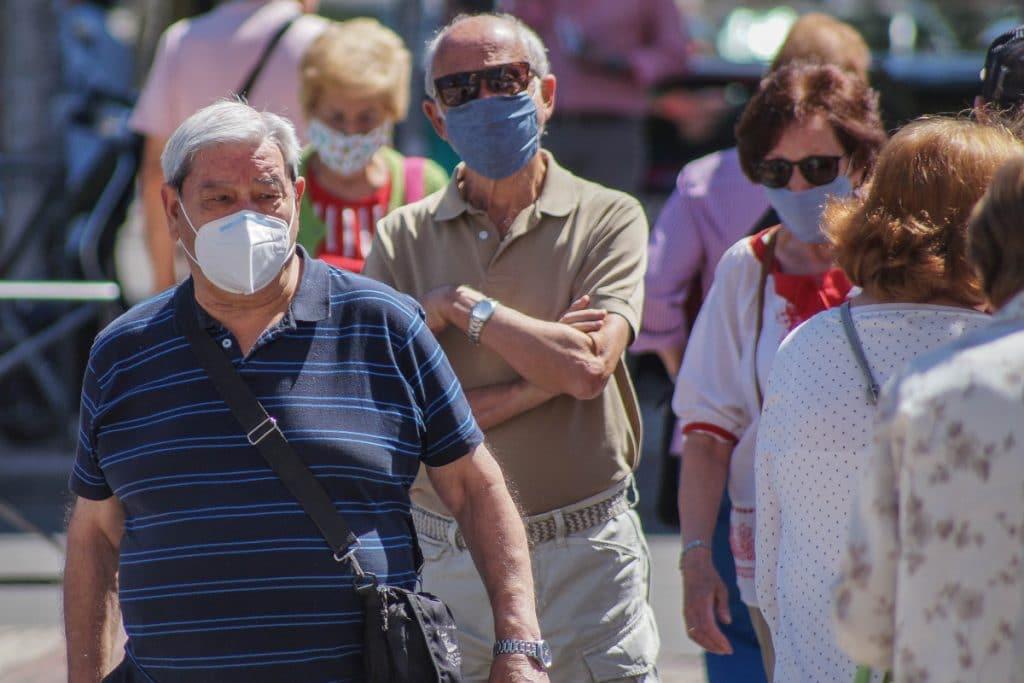 El Gobierno Vasco retira del mercado las mascarillas de rejilla por incumplir la normativa