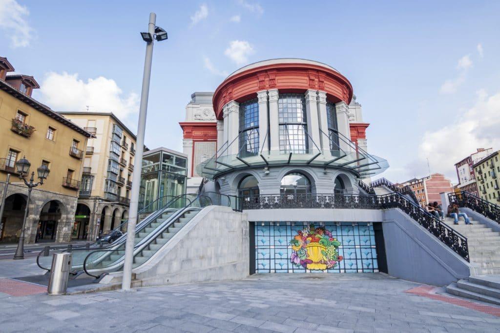 Las escaleras del Mercado de La Ribera cobran vida y se convierten en un instrumento musical
